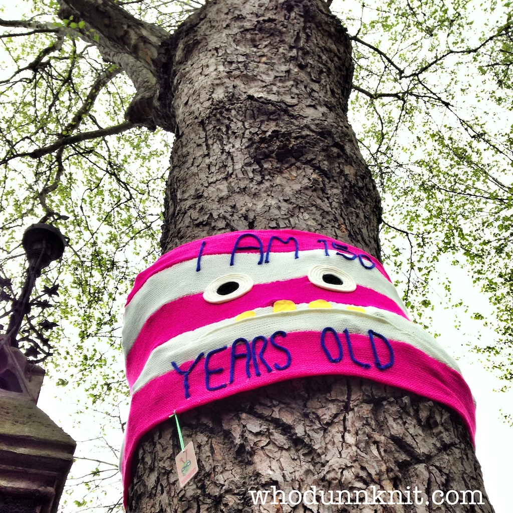London tree week yarnbomb old tree face